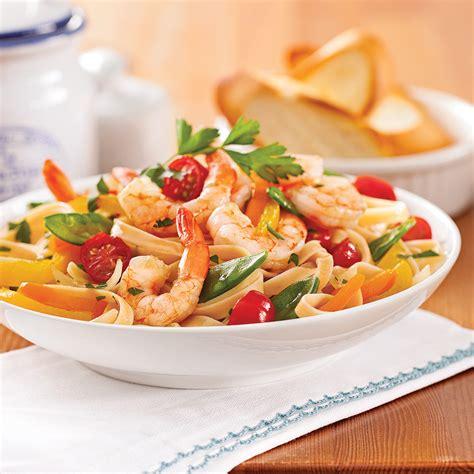cuisiner crevette fettucines aux crevettes et légumes recettes cuisine