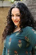 Actress Nithya Menon Photo Gallery Movie Stills HD Photos ...