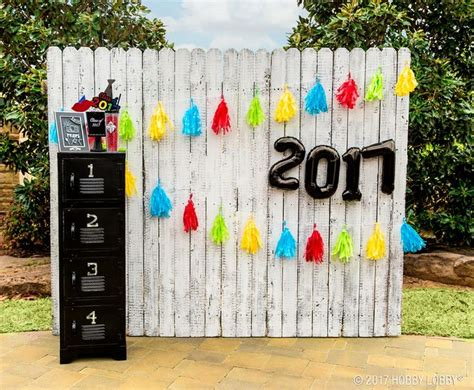 Backdrop Ideas For School by 55 Best Graduation Gifts Ideas Images On