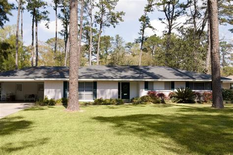 ranch house with wrap around porch how ranch style houses are defining the suburbs realtor com