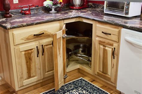 Lowes Hickory Cabinets by Lowes Hickory Kitchen Cabinets Residencedesign Net