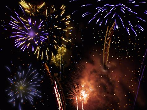 Animated Fireworks Wallpaper - animated fireworks wallpaper wallpapersafari