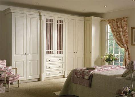 wardrobe  nice bedroom desgn ideas   yatak