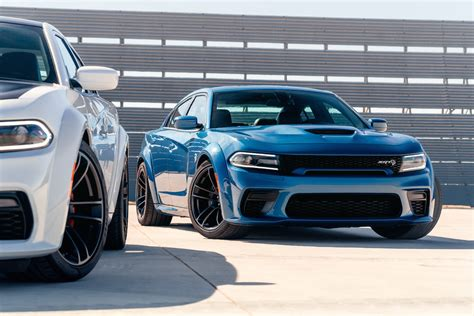 dodge charger hellcat  scat pack widebody reveal