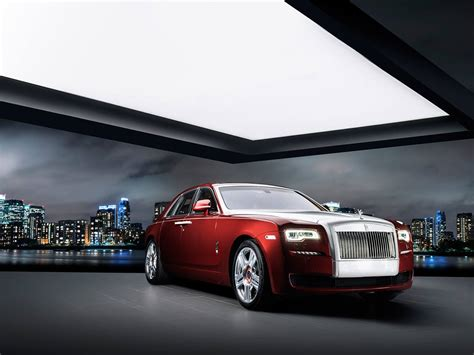 rolls royce ghost red diamond  inlaid   diamonds