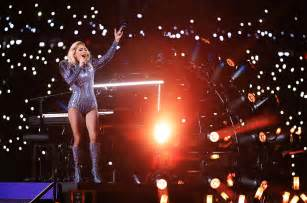 Lady Gaga Super Bowl Performance Tears And Cheers As
