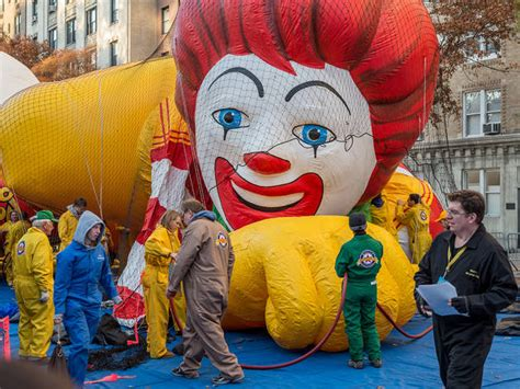 macys thanksgiving parade balloon inflation