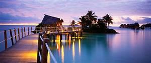 Fiji resorts fiji overwater bungalow likuliku lagoon for Honeymoon huts over water