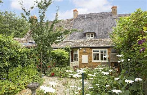 cottage rentals uk cottage in ebrington cotswolds cottage
