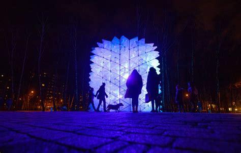 Rīgā pirmo reizi svētku rotā iemirdzēsies arī parki ...