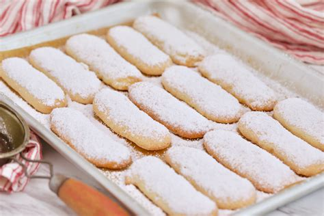 Lady finger biscuits (page 1) recipes using lady finger cookies : lady fingers food