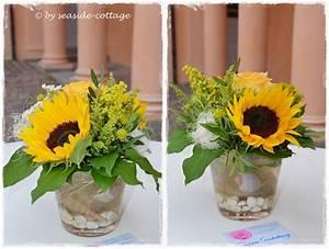 Tischdeko Mit Sonnenblumen : sonnenblumen deko 50 wunderschone blumengestecke ~ Lizthompson.info Haus und Dekorationen