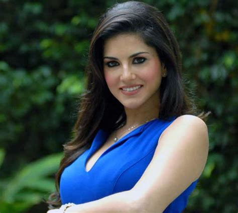 Sunny Leone Does A Qa Session On Twitter And Fb सनी