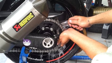 Cleaning Motorcycle Chain And Sprockets