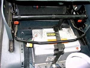 Batterie Renault Scenic 3 : aide pour acc der la batterie sur renault scenic phase 1 auto titre ~ Medecine-chirurgie-esthetiques.com Avis de Voitures
