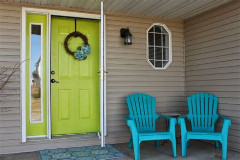 inspirasi warna seru  pintu depan dreamcoid