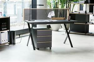 Möbel Loft Essen : arbeiten im loft kontrast m bel leuchten accessoires ~ Orissabook.com Haus und Dekorationen