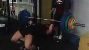 Lattenrost Einstellen 80 Kg : 135 kg bench press 298 lbs 80 kg 178 pounds youtube ~ Markanthonyermac.com Haus und Dekorationen