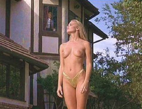 Nackt Camille Anderson  Camille Grammer