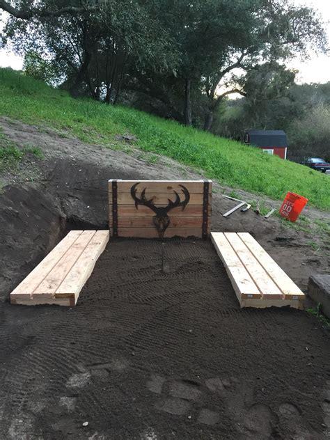 horseshoe pits  deer head  backboard horseshoe pit