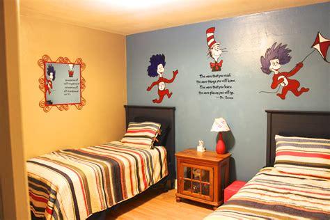 Kids Dr. Seuss Room On A Budget!-the Holzmanns