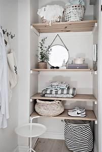 Best 25+ Floating shelf brackets ideas on Pinterest ...