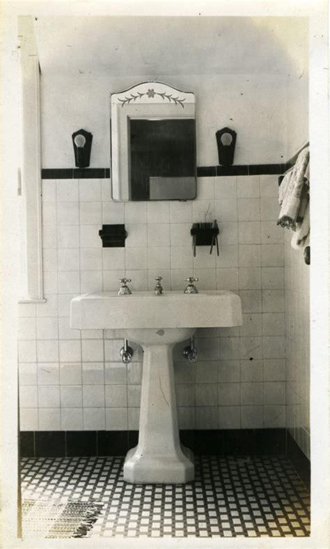1940s bathroom design bathroom tile on tile tubs and bathroom