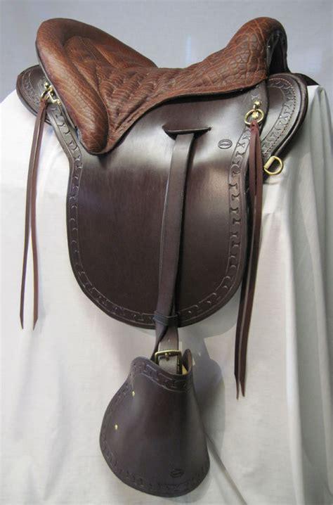 saddle horse saddlery hillcrest ride saddles riding fave plantation equestrian everyday custom tack saffire equine accessories