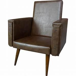 Fauteuil Simili Cuir : fauteuil club pour enfant en simili cuir marron 1950 design market ~ Teatrodelosmanantiales.com Idées de Décoration