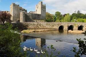 Cahir Castle, Cahir, Co Tipperary, Irelands Ancient East ...