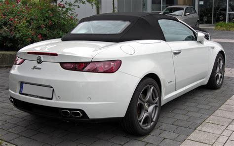 Alfa Romeo Spider : Alfa Romeo Spider Vs Bmw Z4. The Best Cabrio?