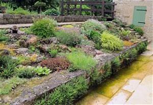 creer un jardin de rocaille gamm vert With jardin en pente que faire 3 rocaille jardin creer une rocaille pratique fr
