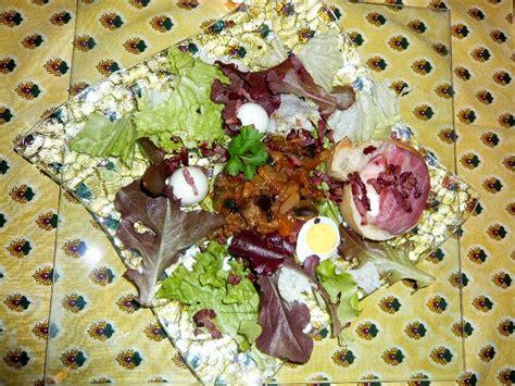 cuisine ardechoise salade ardèchoise à la ratatouille et aux picodons pour 4