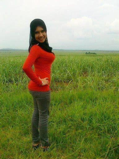 Gambar Bogel Gadis Melayu Cun Tudung Seksi Lucah Bogel