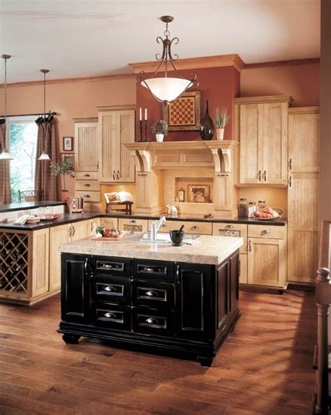 kitchen cabinets wall 25 best ideas about wellborn cabinets on wall 3291