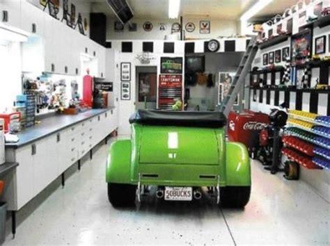 ideas  cool garages  pinterest dream garage