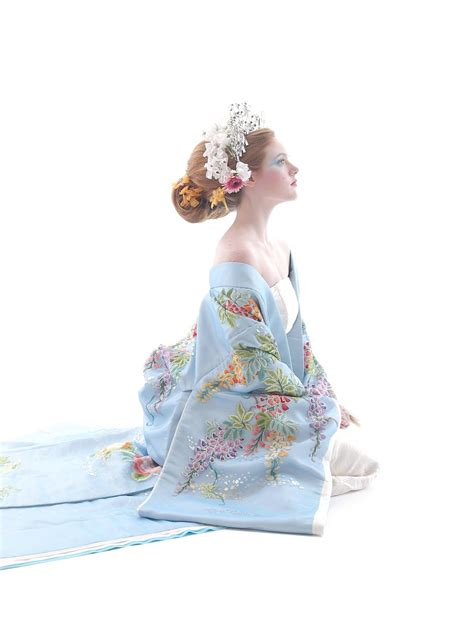stunning wedding dresses   traditional japanese