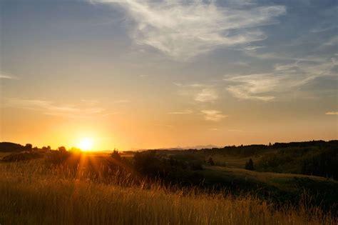 Kostenlose Bild Sonnenaufgang, Sonnenschein, Wolke, Rasen, Dämmerung, Landschaft, Sonne, Himmel
