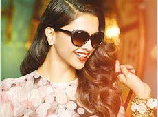 Cute smile of Deepika padukone hd Wallpaper Background