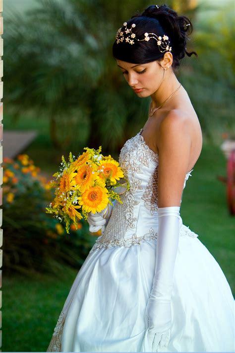 Wedding Hairstyles Bride In A Wedding Dress Photos