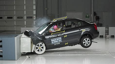 crash test si鑒e auto small cars come up in crash test safety study york times