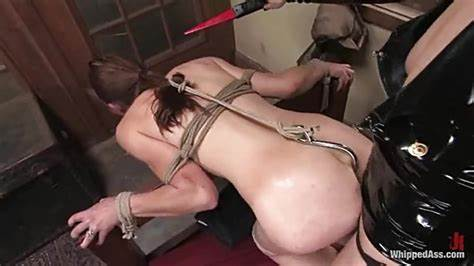 Strap Replacing A Meat With A Dicks Hook Up Her Clit Filthy Maid Get Vibrator