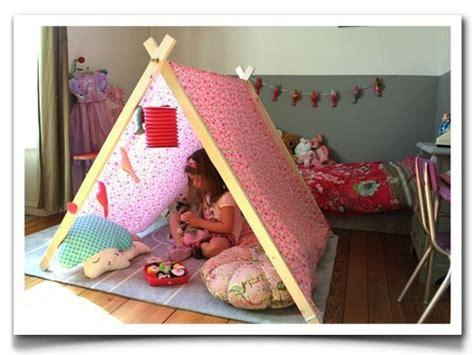 tente fille chambre loisirs créatifs poufs poires and chambres de bébé on