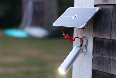 Design Solarleuchten Garten by Solar Powered Shine Light Delivers 30 Hours Of