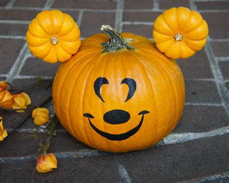 mickey mouse pumpkin  halloween  steps