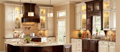 Woodmark Cabinetry Collection: Charlottesville   Species