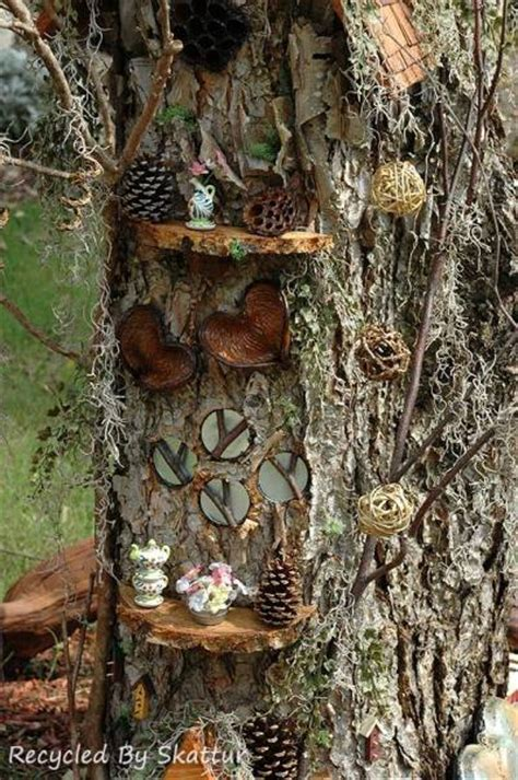 Sherry's terrific miniature tree house   Flea Market Gardening