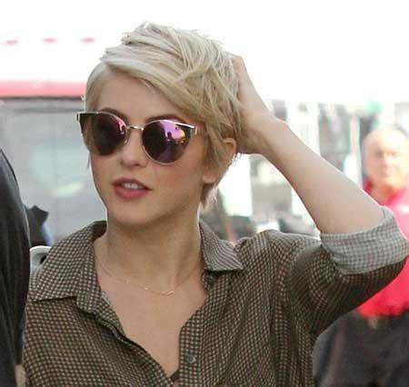 See more photos here ; 20 Latest Short Hair Trends 2015