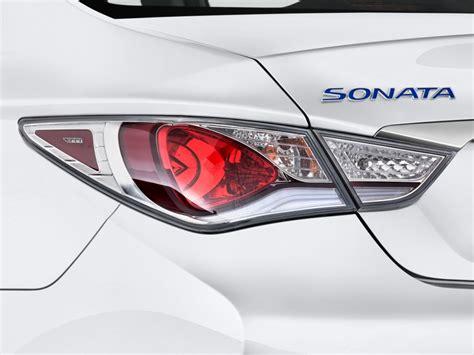 2011 hyundai sonata brake light bulb size image 2011 hyundai sonata 4 door sedan 2 4l auto hybrid