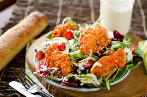 Crispy Buffalo Chicken Salad
